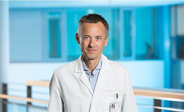 Dr. Josef Oswald